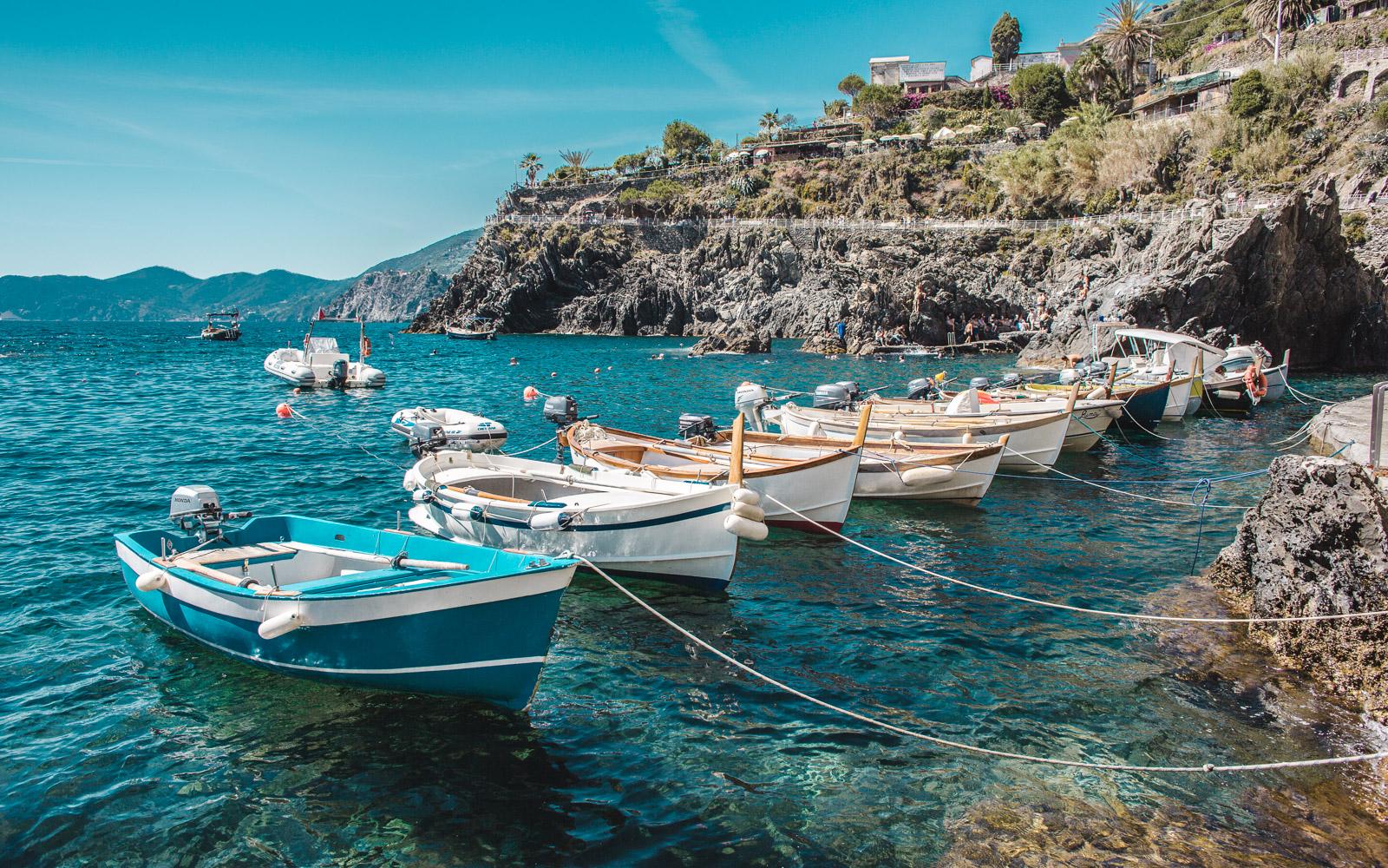 cinque terre boats manarola italy