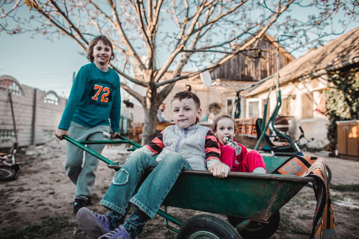 ukraine children family