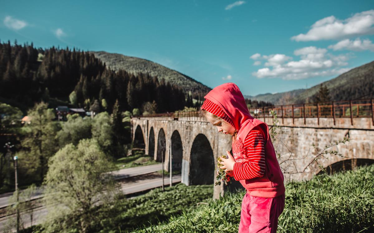 girl aquaduct ukraine